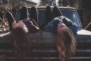 girls, lying, classic car-1209321.jpg
